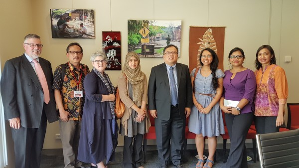 Representatives of ANU, Article 33, PSHK/Jentera, Akatiga with the Minister of National Development Planning of Indonesia at the AISS