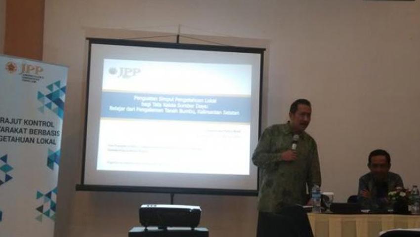 Tim Polgov UGM Gelar Diskusi Hasil Penelitian di Tanahbumbu