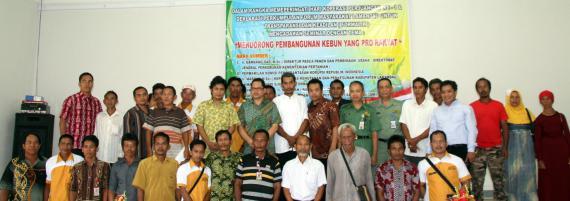 Mendorong Pembangunan Perkebunan yang Pro Rakyat
